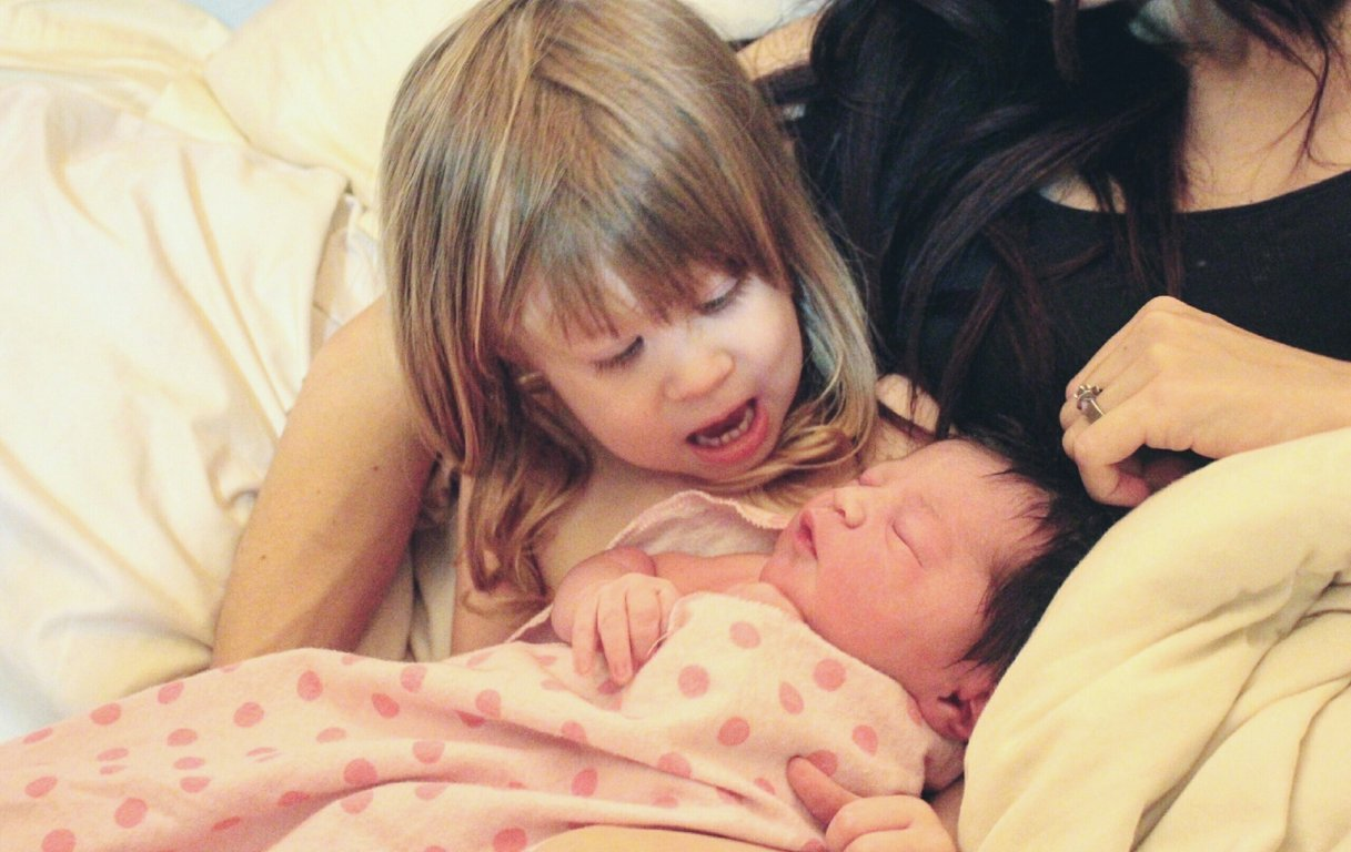 ADJUSTING TO LIFE WITH A NEWBORN + TODDLER   TIPS